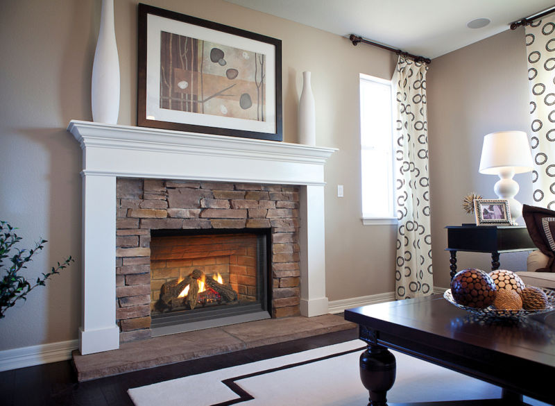 P33CE Small gas fireplace in a beautiful living space