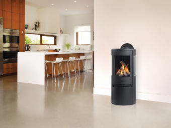 Contura RC500E black Modern gas stove in kitchen setting